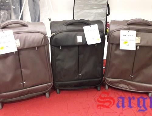 В продаже чемоданы